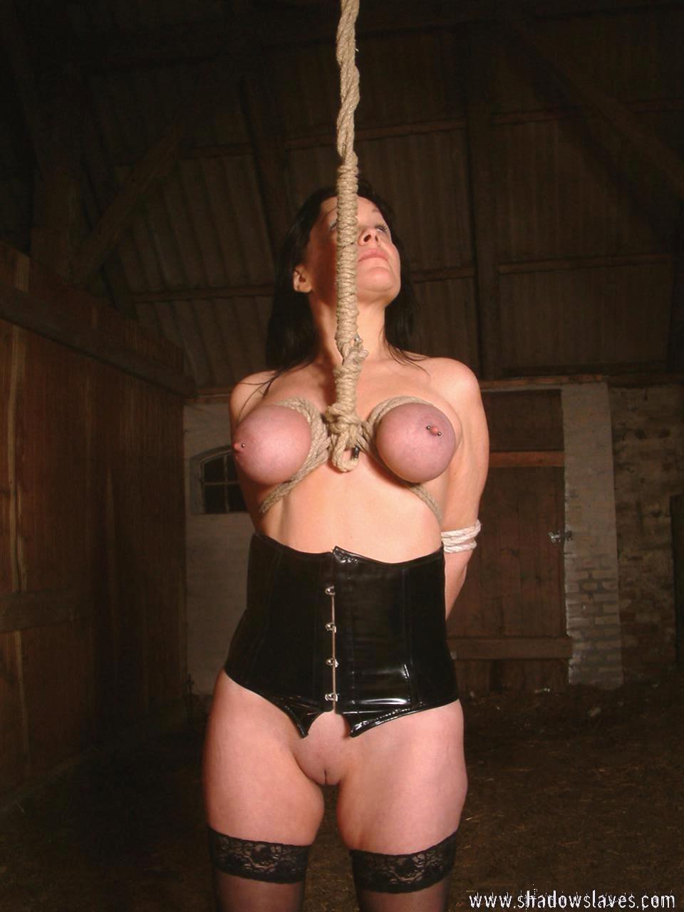 Пытка девушки онлайн 14 фотография